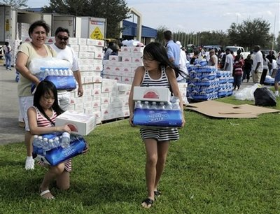 Hurricane Ike Victims receive SunMeadow™ meals from GA Foods